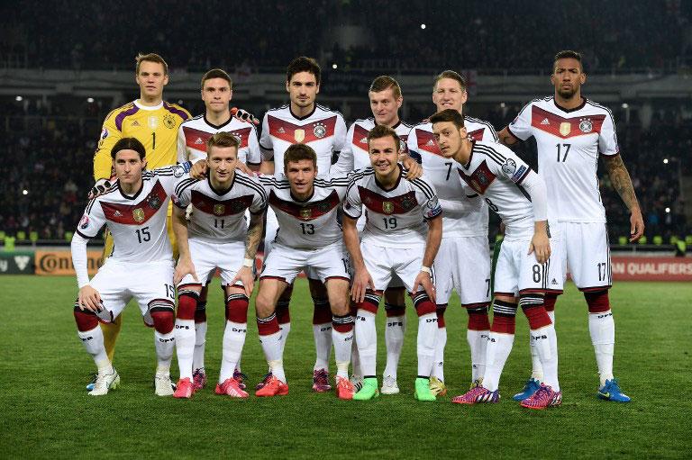 Aufstellung Deutschland gegen Georgien (Foto AFP)