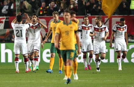 Spielbericht Deutschland – Australien : DFB-Team vorne hui, hinten pfui!