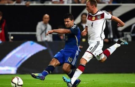 Höwedes bleibt Schalker, Bellarabi hoch im Kurs