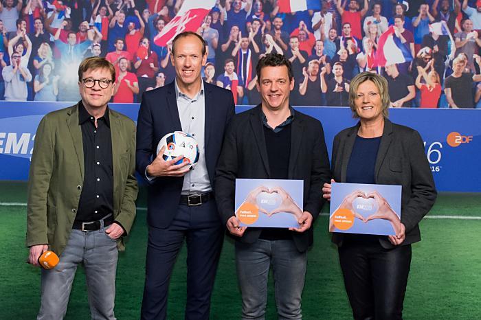 Pressekonferenz UEFA EURO 2016 - Bela Rethy, Martin Schneider, Oliver Schmidt, Claudia Neumann (ZDF/Svea Pietschmann)